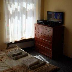 Отель Academus - Cafe/Pub & Guest House 3* Номер Эконом с разными типами кроватей фото 7