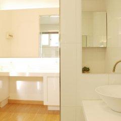 Отель The Mei Haus Hongdae 3* Стандартный семейный номер с двуспальной кроватью фото 15