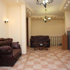 Отель Holiday Home Charenc Армения, Ереван - отзывы, цены и фото номеров - забронировать отель Holiday Home Charenc онлайн интерьер отеля фото 3