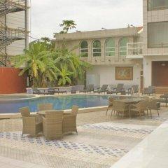 Sun Shine Hotel бассейн
