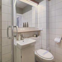 Отель Chopin Apartment Warsaw - Old Town Польша, Варшава - отзывы, цены и фото номеров - забронировать отель Chopin Apartment Warsaw - Old Town онлайн ванная