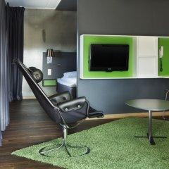 Comfort Hotel RunWay 3* Стандартный семейный номер с двуспальной кроватью фото 7