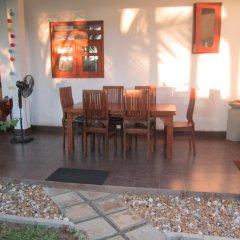 Отель Karl Holiday Bungalow Шри-Ланка, Калутара - отзывы, цены и фото номеров - забронировать отель Karl Holiday Bungalow онлайн питание фото 2