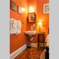 Отель Adams Inn США, Вашингтон - отзывы, цены и фото номеров - забронировать отель Adams Inn онлайн ванная