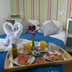 Отель Flat5Madrid 3* Номер с различными типами кроватей (общая ванная комната) фото 13