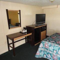 Отель Budget Inn Columbus 2* Номер Делюкс с различными типами кроватей