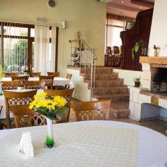 Отель VIKONI Болгария, Банско - отзывы, цены и фото номеров - забронировать отель VIKONI онлайн питание фото 2