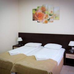 Гостиница Inn Ordzhonikidze 8а Семейный люкс с 2 отдельными кроватями