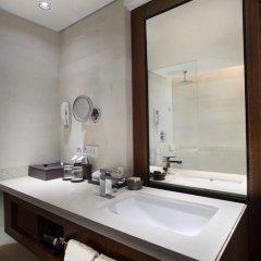 Nusa Dua Beach Hotel & Spa 4* Стандартный номер с различными типами кроватей фото 5