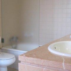 Отель Vivenda Prata Португалия, Виламура - отзывы, цены и фото номеров - забронировать отель Vivenda Prata онлайн ванная
