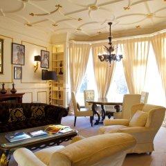 Отель 11 Cadogan Gardens 5* Улучшенный номер с различными типами кроватей фото 4