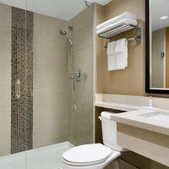 Отель Travelodge by Wyndham Toronto East 2* Стандартный номер с различными типами кроватей фото 4