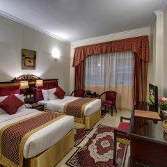 Comfort Inn Hotel 3* Стандартный номер с двуспальной кроватью фото 4