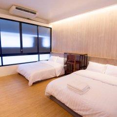 Отель Glur Bangkok Стандартный номер разные типы кроватей фото 9