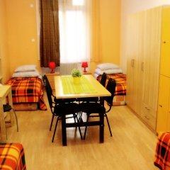 Budapest Budget Hostel Стандартный номер с различными типами кроватей (общая ванная комната) фото 13