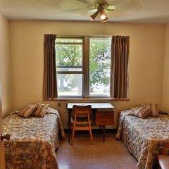 Отель Manoir dYouville комната для гостей фото 3