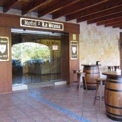 Hotel La Brasa гостиничный бар