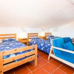 Отель Baleal Surf Camp комната для гостей