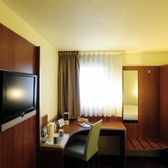 Comfort Hotel Aeroport Lyon St Exupery удобства в номере фото 2