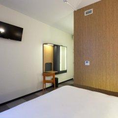 Отель easyHotel Brussels City Centre 3* Стандартный номер с различными типами кроватей фото 6