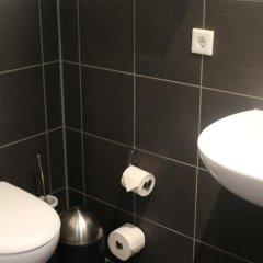 Отель ONE80° Hostels Berlin Германия, Берлин - - забронировать отель ONE80° Hostels Berlin, цены и фото номеров ванная фото 2