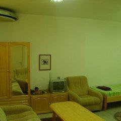 Отель Plamena Guest Rooms Болгария, Карджали - отзывы, цены и фото номеров - забронировать отель Plamena Guest Rooms онлайн комната для гостей фото 5