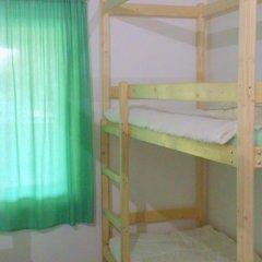 Хостел Wishka Стандартный номер с двуспальной кроватью (общая ванная комната)