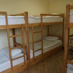 Централ Хостел Сочи Кровать в женском общем номере