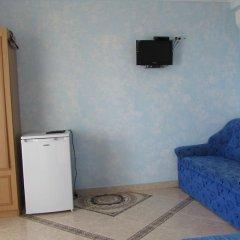 Гостиница Domik u morya в Севастополе отзывы, цены и фото номеров - забронировать гостиницу Domik u morya онлайн Севастополь удобства в номере фото 2