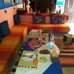 Отель Khasbah Casa Khamlia Марокко, Мерзуга - отзывы, цены и фото номеров - забронировать отель Khasbah Casa Khamlia онлайн гостиничный бар