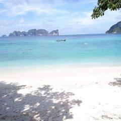 Отель Phi Phi Andaman Resort пляж