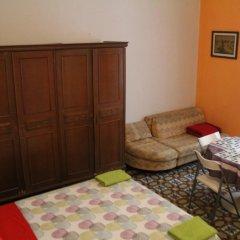 Отель B&B Comfort Стандартный семейный номер с двуспальной кроватью (общая ванная комната) фото 2