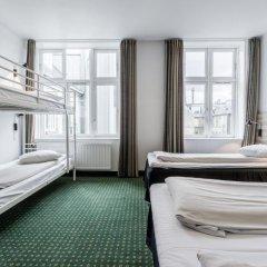 Good Morning + Copenhagen Star Hotel 3* Стандартный семейный номер с двуспальной кроватью фото 4