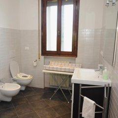 Отель Casa Vacanze Riviera del Brenta Италия, Доло - отзывы, цены и фото номеров - забронировать отель Casa Vacanze Riviera del Brenta онлайн ванная