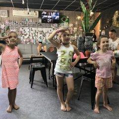 Tiger Lily Hostel Бангкок развлечения
