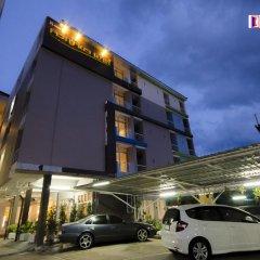 Отель Charoenchit House парковка