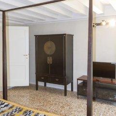 Отель San Marco Suite Apartments Италия, Венеция - отзывы, цены и фото номеров - забронировать отель San Marco Suite Apartments онлайн интерьер отеля