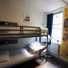 Отель St Christophers The Inn - London Bridge Кровать в общем номере с двухъярусной кроватью фото 6