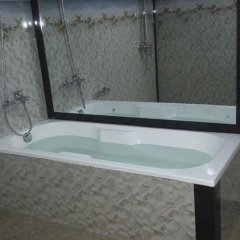 Отель Linda Cottage бассейн