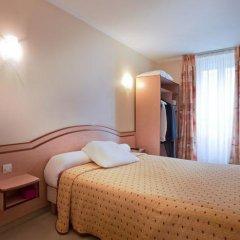 Отель Hôtel Habituel 3* Стандартный номер с двуспальной кроватью