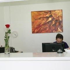 Отель Apartaments El Sorrall Испания, Бланес - отзывы, цены и фото номеров - забронировать отель Apartaments El Sorrall онлайн интерьер отеля