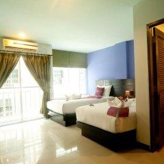 Отель PJ Patong Resortel 3* Улучшенный номер с 2 отдельными кроватями фото 2