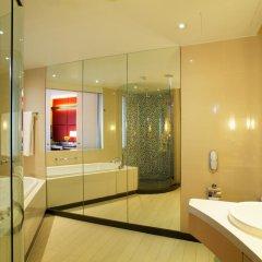 Отель Centara Grand at CentralWorld 5* Улучшенный номер с различными типами кроватей фото 4