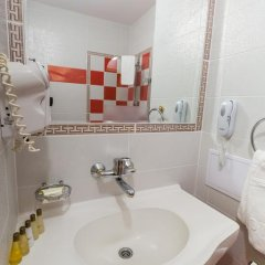 Отель Zornica Hotel Болгария, Казанлак - отзывы, цены и фото номеров - забронировать отель Zornica Hotel онлайн ванная
