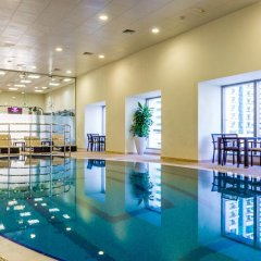 Отель Yanjoon Holiday Homes - Princess Tower бассейн фото 2
