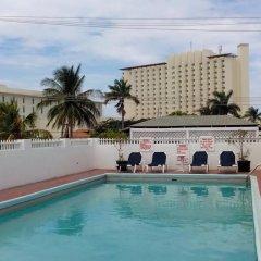 Village Hotel бассейн фото 3