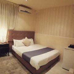 Отель Central 2* Номер категории Эконом с двуспальной кроватью фото 10