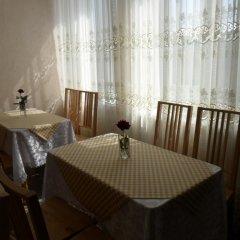 Гостиница Guest House 12 Mesyatsev Украина, Черноморск - отзывы, цены и фото номеров - забронировать гостиницу Guest House 12 Mesyatsev онлайн питание фото 3