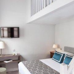 Отель Hôtel de la Place du Louvre 3* Улучшенный номер с различными типами кроватей фото 2