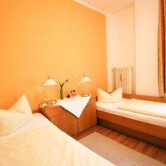 Отель Pension/Guesthouse am Hauptbahnhof Стандартный номер с двуспальной кроватью (общая ванная комната) фото 8